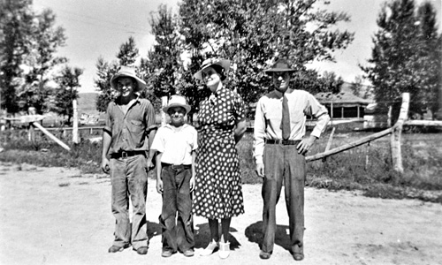 Daniel, Walter, Mary, and Dan Thomas